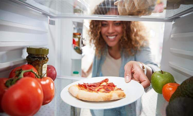 How Long Can Pizza Stay In The Fridge?