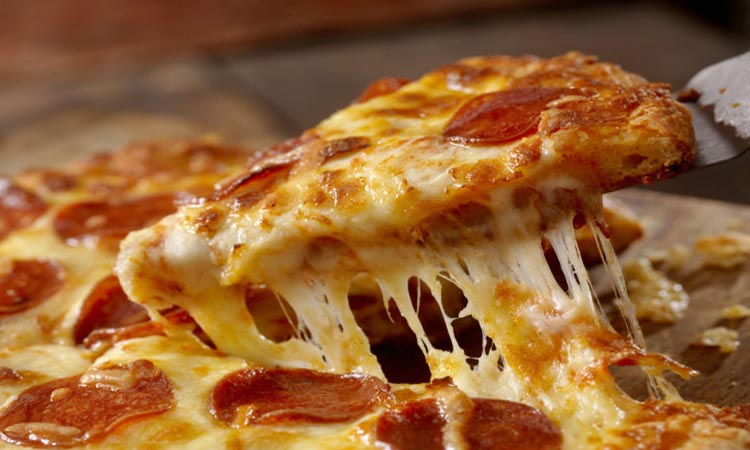 How Many Carbs in a Slice of Cheese Pizza
