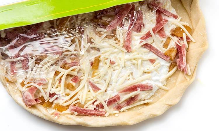 How To Bake Frozen Pizza: A Simple Guide
