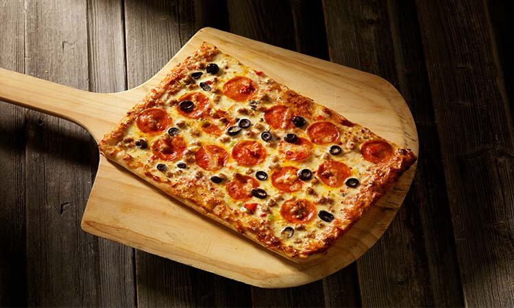 How To Make Flatbread Pizza: Beginners' Guide