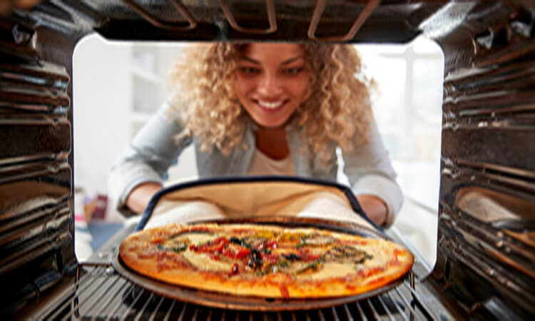How-To-Reheat-Pizza-In-A-Pan