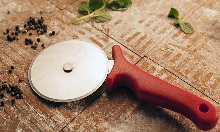 How To Sharpen A Pizza Cutter To Cut Your Pizza