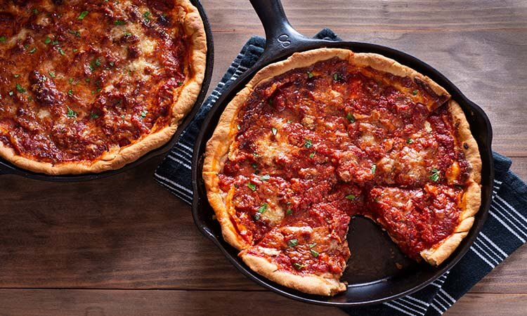 How To Use Cast Iron Pizza Pan: Beginner's Guide