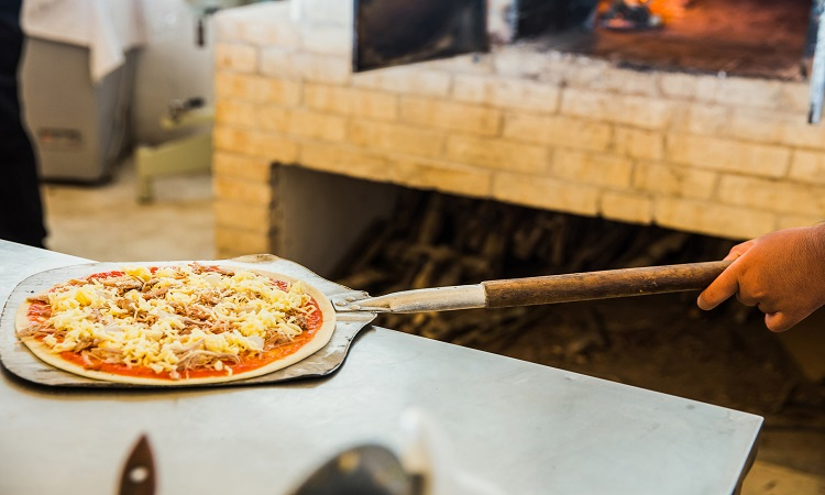 How to Keep Pizza From Sticking To Peel- Some Great Tips and Tricks