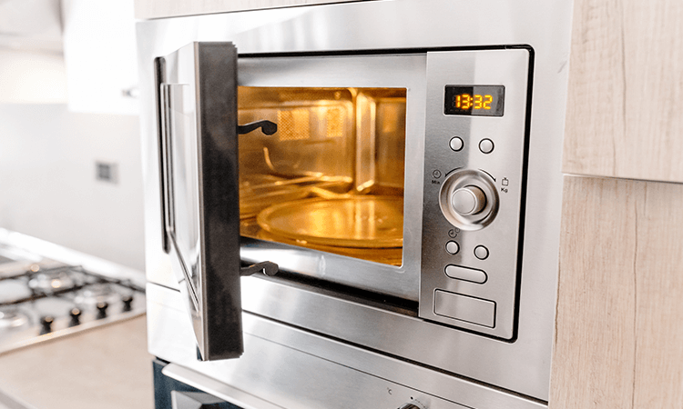 The 7 Best Microwave Ovens For Pizza And Cake Baking