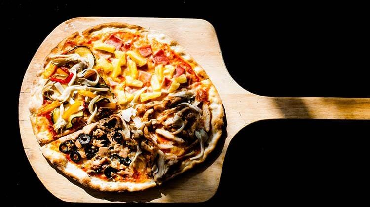The 7 Best Pizza Paddles