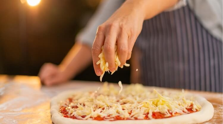 What Cheese Goes On Pizza? – Our Top Choices
