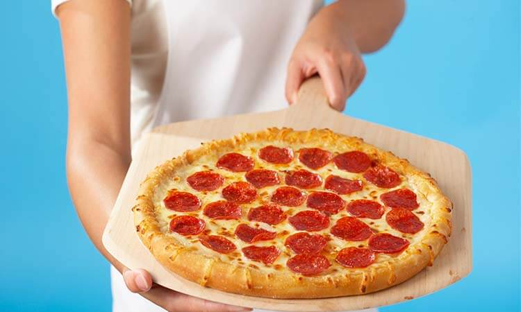 The 7 Best Home Pizza Peels For Pizza Makers