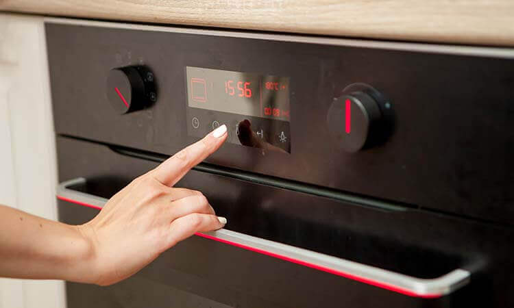 What Temperature To Bake Pizza: A Heating Guide
